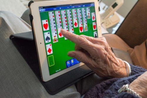 Tecnologia intelligente per una longevità attiva