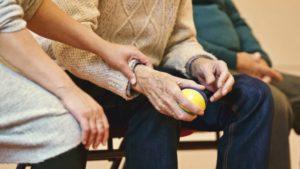Alzheimer in movimento: l'attività motoria con le persone affette da demenza