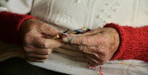 Migliorare la qualità della vita delle persone con demenza attraverso la terapia occupazionale