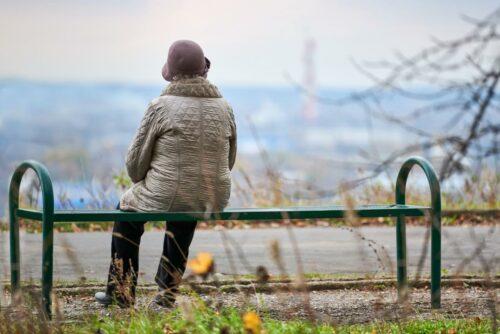 Le reti familiari e il senso di solitudine degli anziani